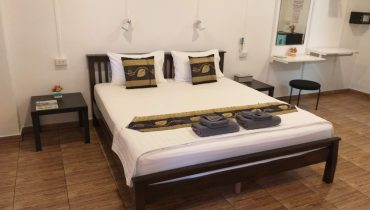 Deluxe Double Room with Private Entrance